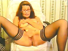 slutty granny plays and squirts