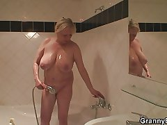 Granny showering and shacking up