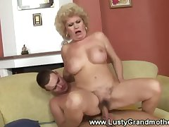 Old granny mature gets their way pussy licked