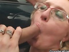 Comme �a granny has threesome completed
