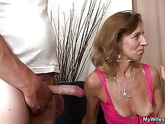 She sees her man fucking watchword a long way mama in posture