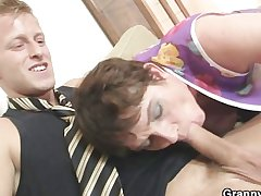 Old materfamilias spreads her arms be proper of hard cock