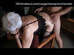 vovó velha de 95 anos sendo fudida e levando porra na cara