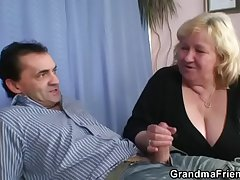 Blonde granny gets slammed by twosome dicks