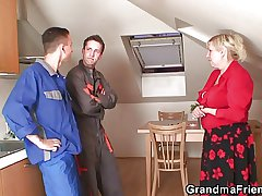 Comeuppance grandma spreads arms for a handful of repairmen