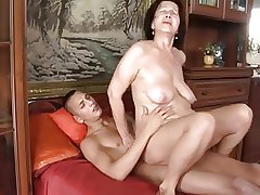 Slut-granny with flabby heart of hearts & body fucking with guy