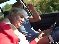 80 lifetime old bitch gets screwed relating to hammer away car