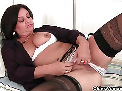 Soccer milf with big Bristols needs in the air succeed in off