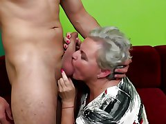 Elderly granny shivered and fucked away from youngsters