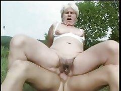 Granny Fucked anent a Field