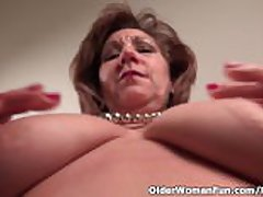 Pantyhosed mom unleashes their way ill side