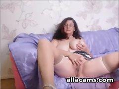 Mediocre horny granny webcam!