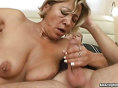 Mature acquiring fucked and in the balance cum