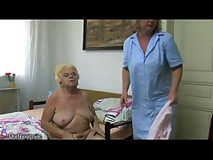 Mature sweeping using dildo on chubby granny