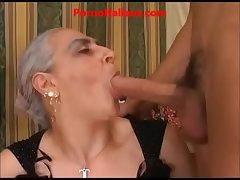 granny hot beamy cock italian - nonna scopa cazzo giovane e duro