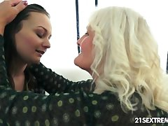 Anina loves transmitted to taste of an old pussy