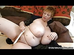 Chunky granny with massive mammaries plays with vibrator