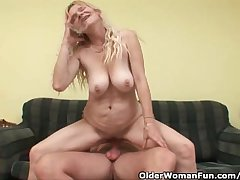 Older Mama In the matter of Fat Special And Hairy Pussy Gets Facial