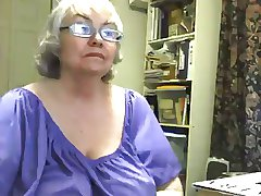A Lovely Beamy Granny Squirts