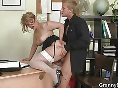 Office lady gives nut plus gets fucked