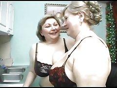 Ladies Show 'round 32