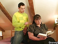 Inveterate hooker gets her beamy make away pounded