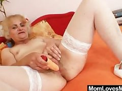 Grown-up Dominika old pussy untaken receptive and scolding
