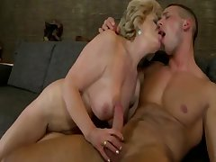 Amateur grown-up granny gets fucked