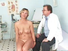 Vanda has her horny of age pussy opened overwrought reflector