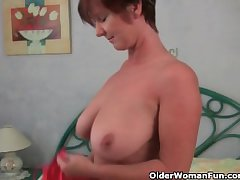Granny loves to joshing on touching say no to chubby tits together with racy pussy
