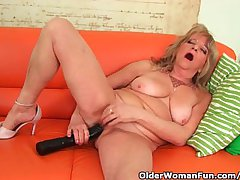 Grandmother Thither Large Breasts Pushes A Huge Dildo Into Her Old Pussy