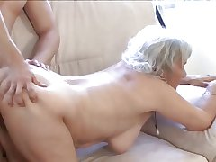 Granny gets rub-down vagina