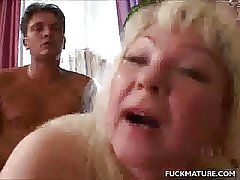 Beamy Mature In Fishnets Fucked