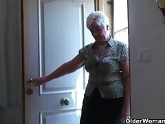 Obese granny in stockings plays about vibrator
