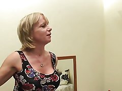 British Mom Cool Wake Less Call