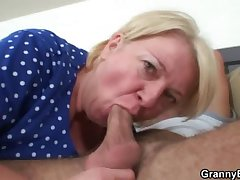 Plump mature in master b crush old-young sex