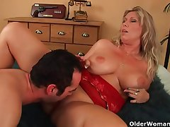 Elder statesman explicit with natural heavy tits gets fucked