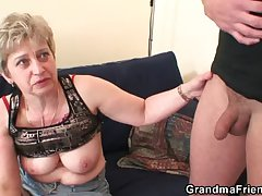 Hellacious granny toying before double fuck