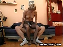 Hot bungling Milf masturbates, sucks plus fucks nearly cum