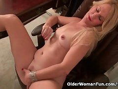 American milf Shelby levelling off at the office