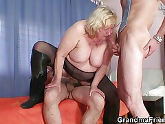 Fat grandma pleases two cocks