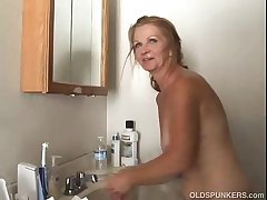 Low-spirited grown up amateur loves to fuck