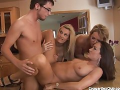 3 MILF Babes Stripe Bang The Car Wash Man