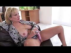 Exclusively mature brit babe Nipper Sonia