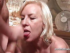 X french mature deep analized to cum 2 mouth in the air a bar