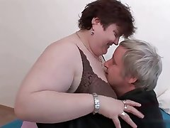 Grown-up BBW enjoying sex.