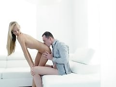 Alexis Fawx loves to drag inflate cock