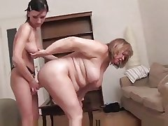 Fat full-grown and younger girl wipe the floor with and strapon