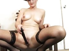 Old amateur nourisher dildo experience