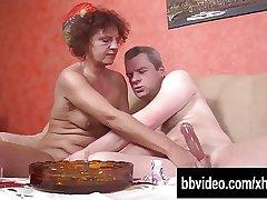 Horny mature german slag take bushwa